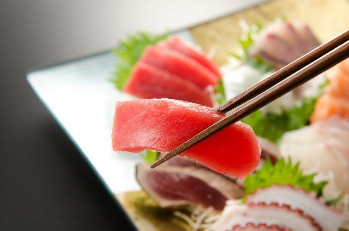 raw fish safe eating