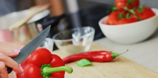 Chopping pepper for simple healthy meal