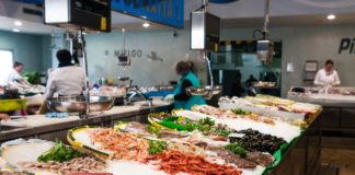 Fresh fish market in California