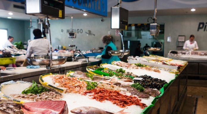 Fresh fish market in California
