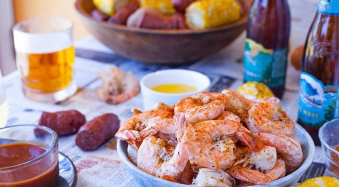 4 Regional Takes On The Classic Seafood Boil