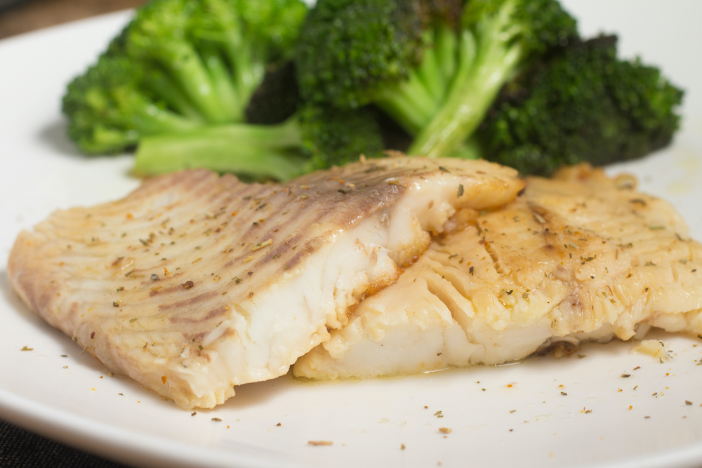 Tilapia with garlic butter and broccoli